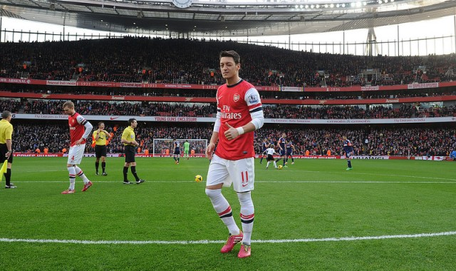 http://neutralpitch.files.wordpress.com/2014/01/ozil-at-the-emirates.jpg?w=640&h=380&crop=1